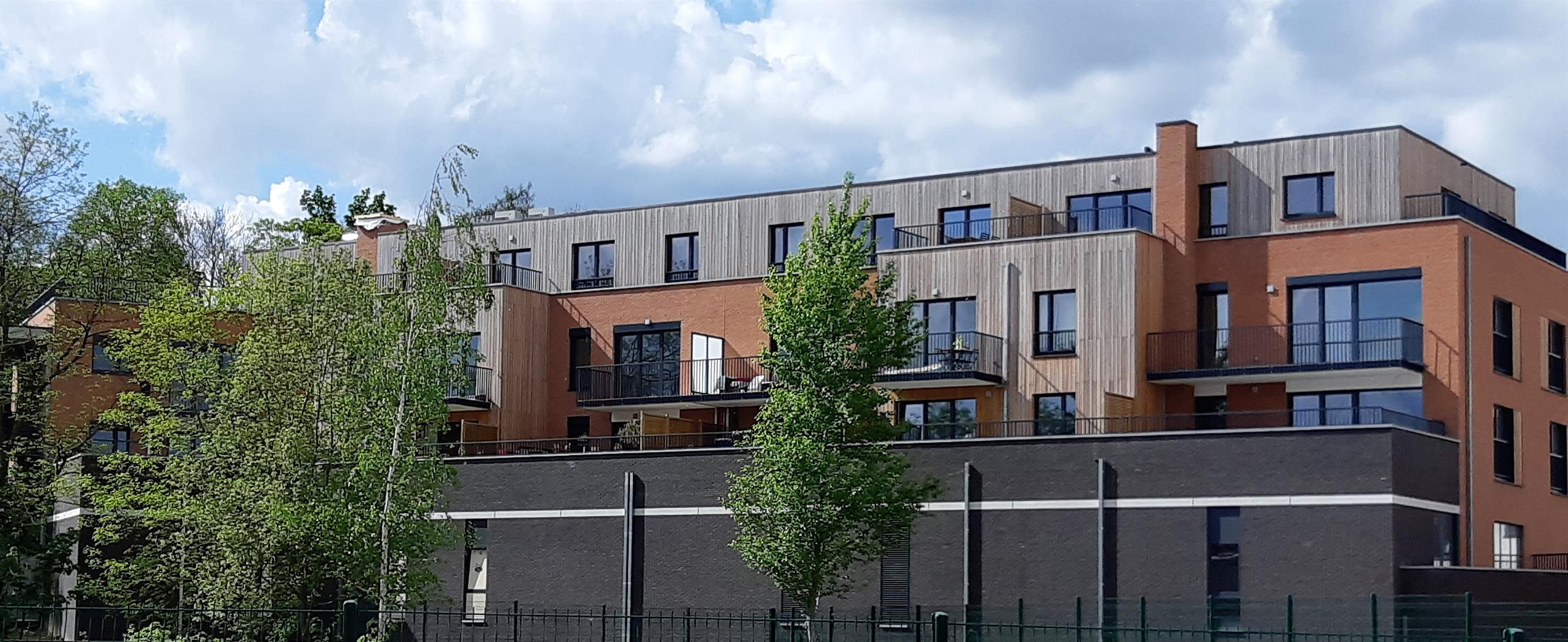 Appartement - Court-Saint-Etienne - #3468376-1