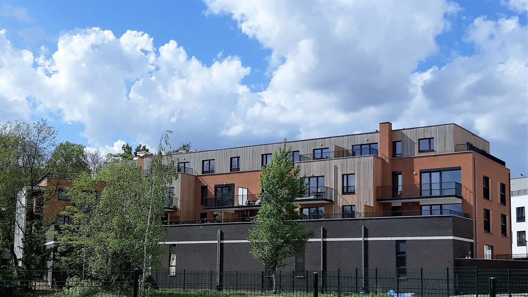 Appartement - Court-St.-Etienne - #3468385-0